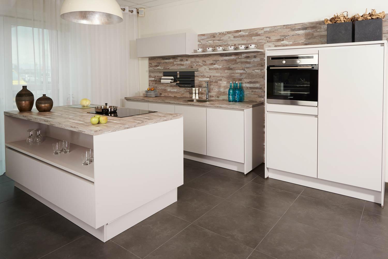 Tweedehands Keukens Gratis : Gebruikte keukens gratis schmidt keukens keukencentrum berkers al