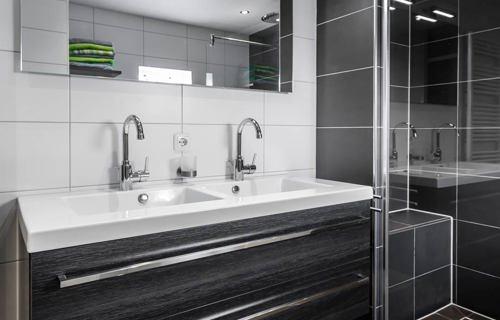 Waar Badkamermeubel Kopen.Moderne Badkamer Kopen In Almere Lees Klantervaring Arma