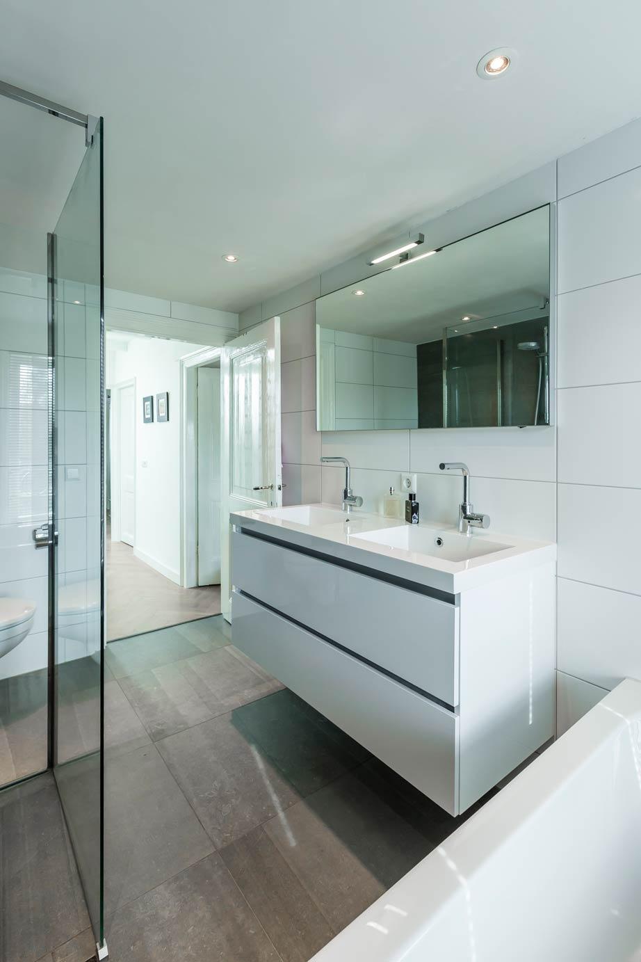 nieuwe badkamer poetsen � devolonterinfo