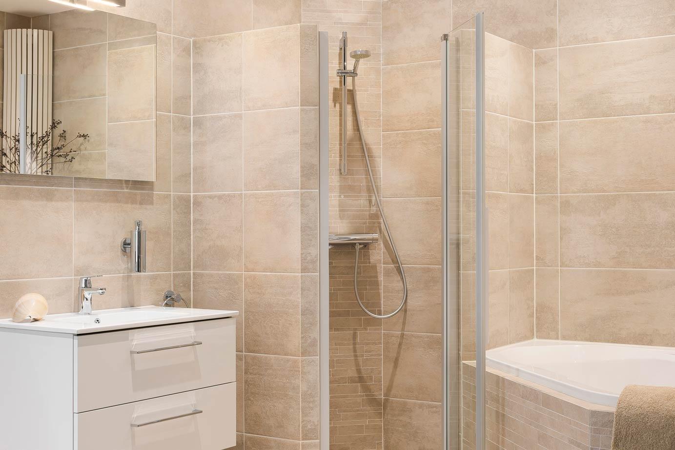 Tegels Badkamer Nunspeet : Badkamers met netto netto prijzen arma