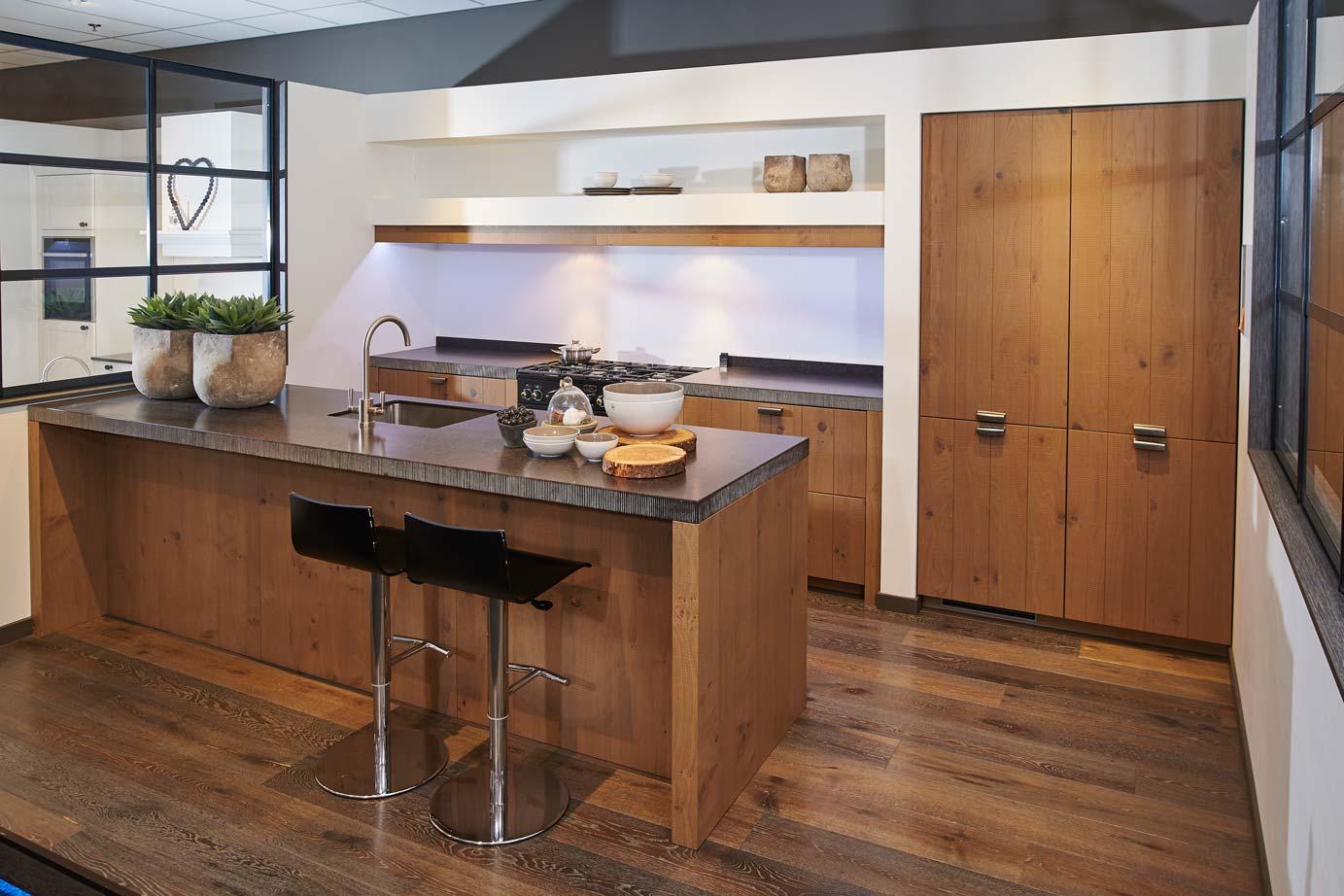 Van Hout Keukens : Houten keukens voor uw natuurlijke sfeer arma