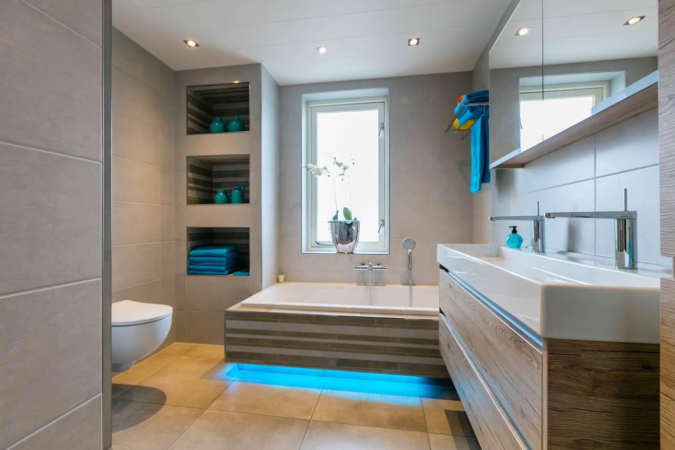 Tegels Badkamer Lelystad : Badkamer kopen in ermelo lees klantervaring arma