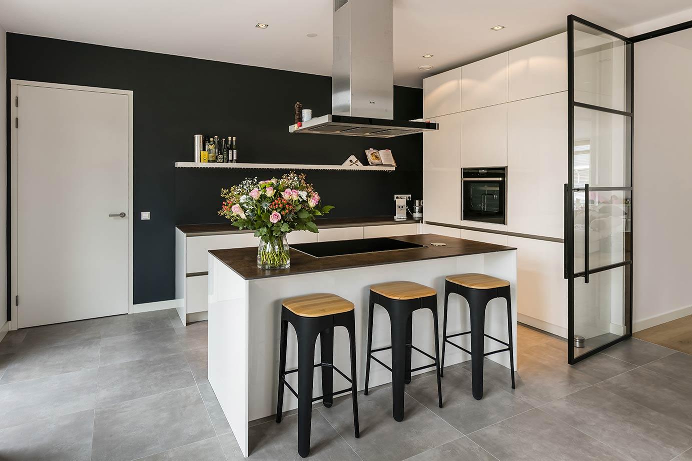 Hoogglans Witte Keuken : Bloksma keukens keukens